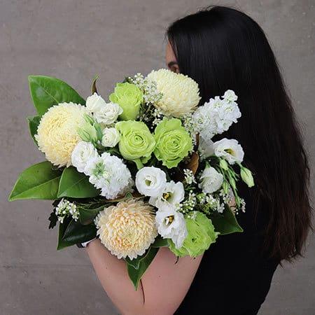 The Bonny White Bouquet Delivered