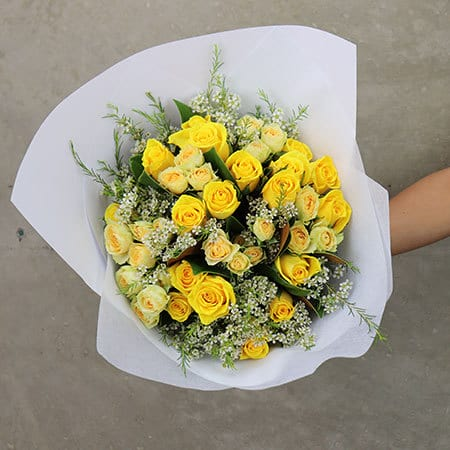 Gift-Wrapped Limoncello Rose Posy