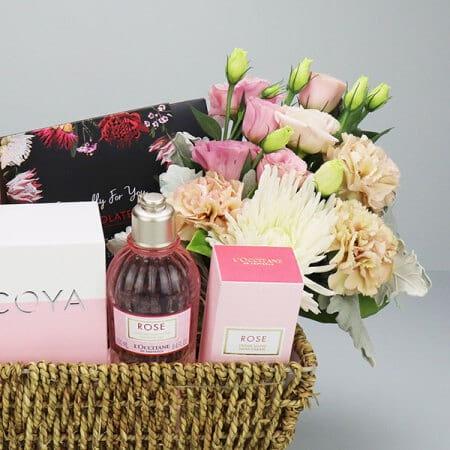 floral pamper gift basket