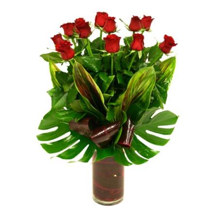 long-stem-roses-in-vase