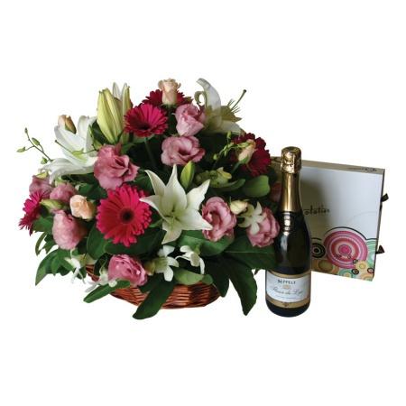 Simply Stunning-Anniversary Flowers
