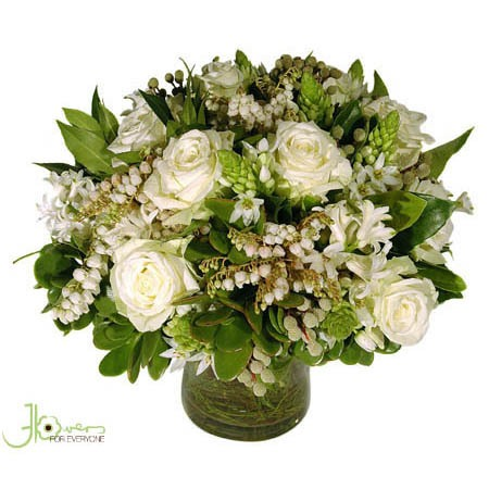 pretty-white-posy