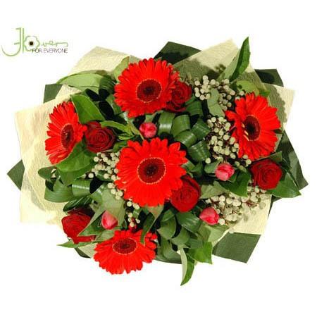 seasonal-in-red-bouquet