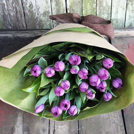 Tulip Bouquet with Free Candle (Sydney Only)