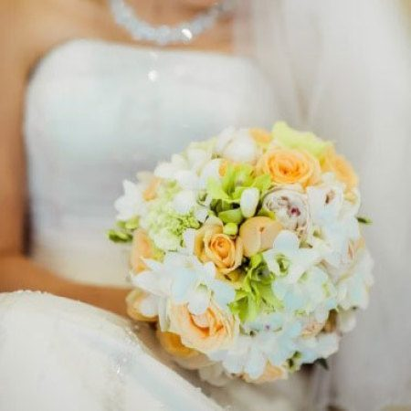 Medium Clustered Bridal Bouquet in Apricot & White