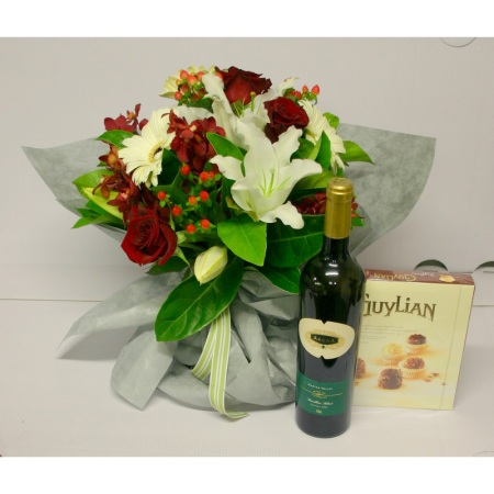 christmas-wishes-flowers-hamper