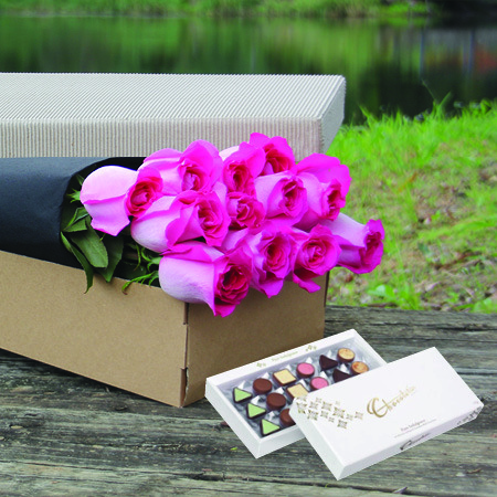 Hot Pink Boxed Roses