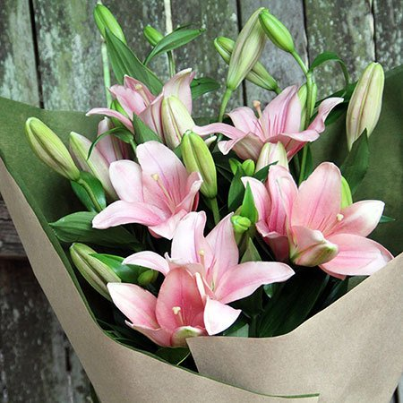 Lily Bouquet & Chocolates
