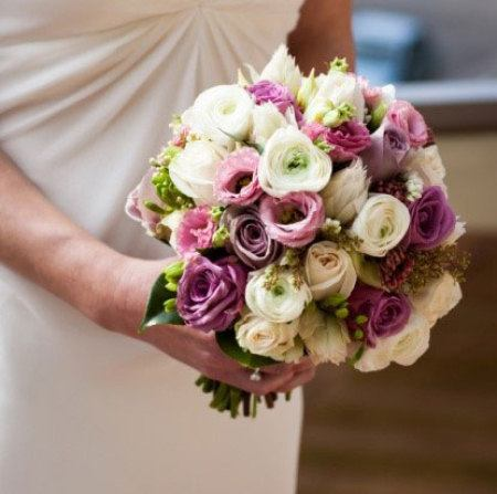 Medium Clustered Bouquet in Mauve, Pink & White