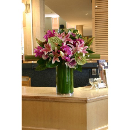 Sympathy Flower Arrangements on Home    Reception Desk 2   Corporate Flowers