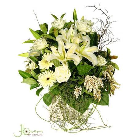 lillies-in-ceramic-pot