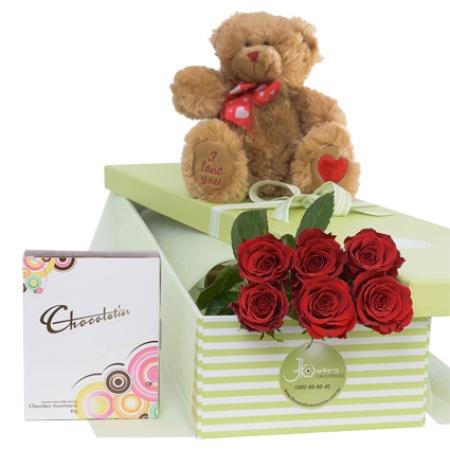 Romance-Valentines Day Roses
