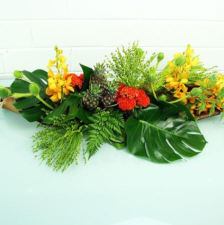 Tropical Husk Table Arrangement