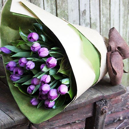Tulips for Mum with Free Candle (Sydney Only)