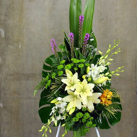 White Lily Funeral Flower Tribute