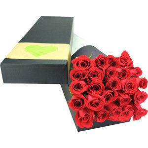 Beautiful valentines rose box