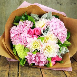 McGrath Foundation High Tea Bouquet (Syd & Melb Only)