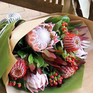 Australian Food Hampers : Australia Affordable Flower Delivery