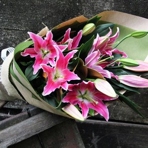 Perfumed Lily Bouquet