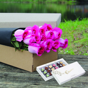 Pink Boxed Roses with FREE CHOCOLATE (Perth Only)