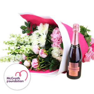 A Beautiful Xmas Flower Bouquet Delivered in Sydney that Supports the McGrath Foundation