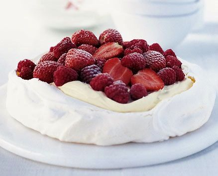 An elegant Aussie Xmas pavlova would look extra delicious paired with the `Santa Claus` dahlia. Online flowers. Florist. Send Flowers Online.
